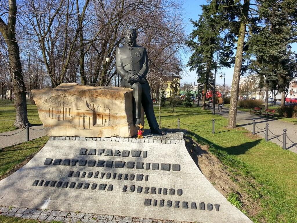 Pomnik na Rynku w Aleksandrowie Łódzkim