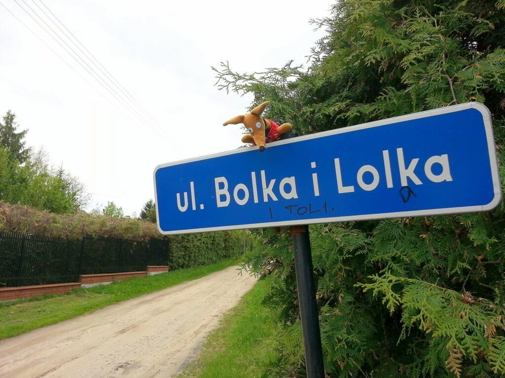 Ulica Bolka i Lolka w Swędowie