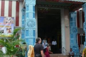 Ryjek i świątynia hinduska